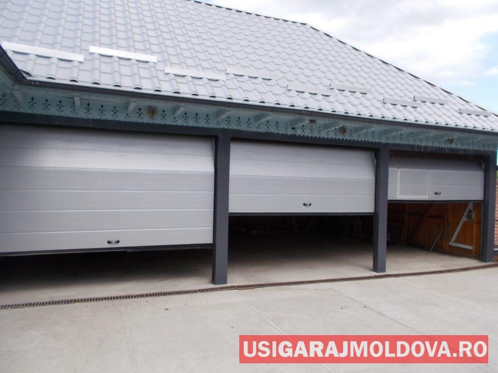 3 usi industriale de garaj albe Bacau
