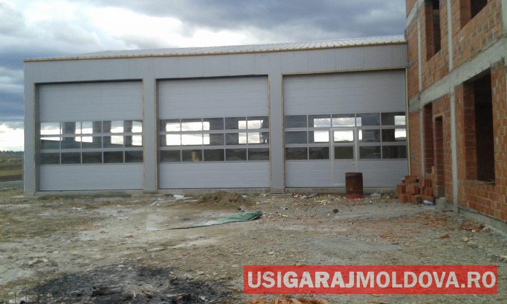 usi industriale cu panouri vitrate Suceava